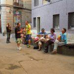 Straßenleben im Viertel